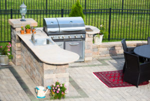 Outdoor Kitchens: Let's Barbeque!